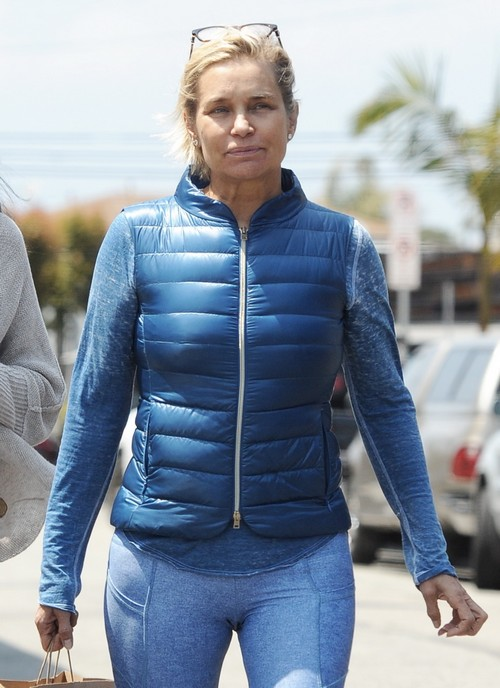 Yolanda Foster goes make up free for lunch with friends at Cafe Gratitude in Venice Beach Ca. Non Exclusive (Mandatory) Credit: Cousart/JFXimages/Wenn.com May 16, 2016.