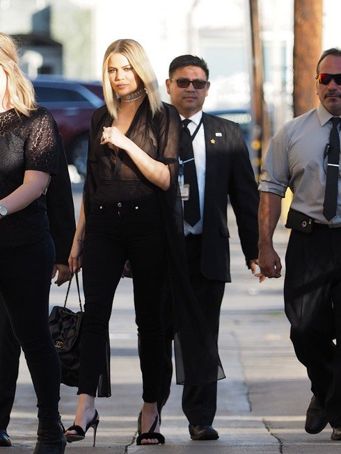 LOS ANGELES, CA - NOVEMBER 03: Khloe Kardashian seen in all black on November 03, 2016 in Los Angeles, California. (Photo by PG/Bauer-Griffin/GC Images)