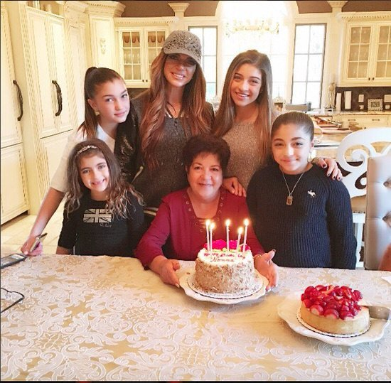 Teresa Giudice with her mom and daughters