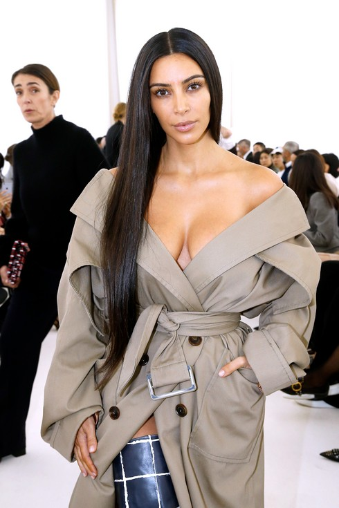 PARIS, FRANCE - OCTOBER 02: Kim Kardashian attends the Balenciaga show as part of the Paris Fashion Week Womenswear Spring/Summer 2017 on October 2, 2016 in Paris, France. (Photo by Bertrand Rindoff Petroff/Getty Images)