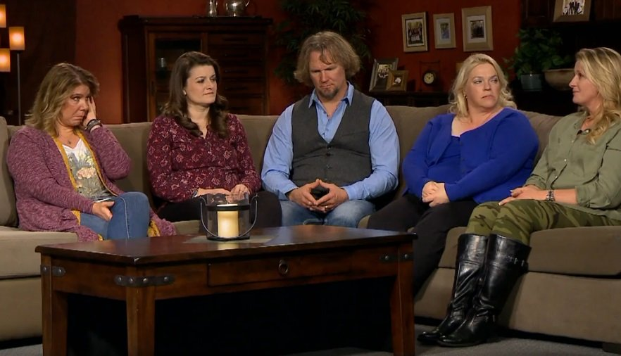 sister wives sofa
