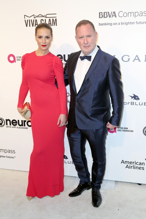 WEST HOLLYWOOD, CA - FEBRUARY 26: Teleivision Personality Dorit Kemsley (L) and Paul Kemsley attends the 25th Annual Elton John AIDS Foundation's Academy Awards Viewing Party at The City of West Hollywood Park on February 26, 2017 in West Hollywood, California. (Photo by Frederick M. Brown/Getty Images)