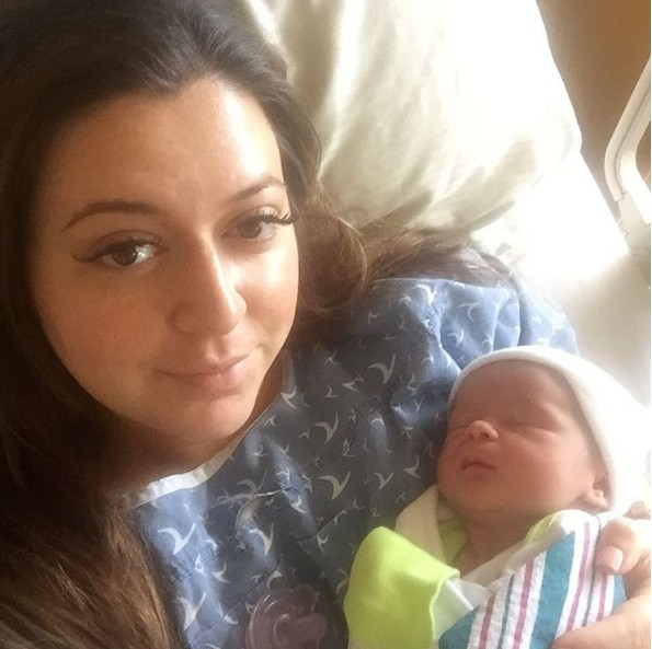 Lauren Manzo gives birth