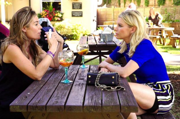 Sophie-Stanbury-Julie-Montagu-Picnic-Table-Ladies-Of-London