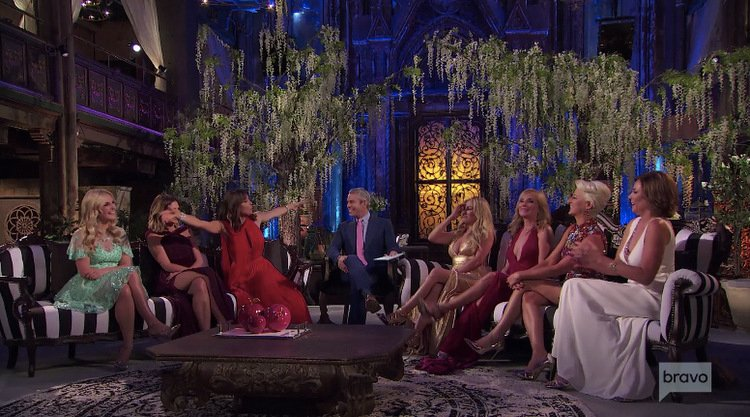 Full-Cast-Bethenny-Frankel-Arms-Out-Reunion-2-RHONY