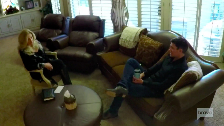 Jeff-Lewis-Therapist-Couches-Overhead-Shot-Flipping-Out