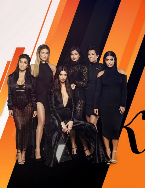 """Kris Jenner """"Obsessed"""" With Her Expanding Family; Shares Advice For New Mom Kylie Jenner"""