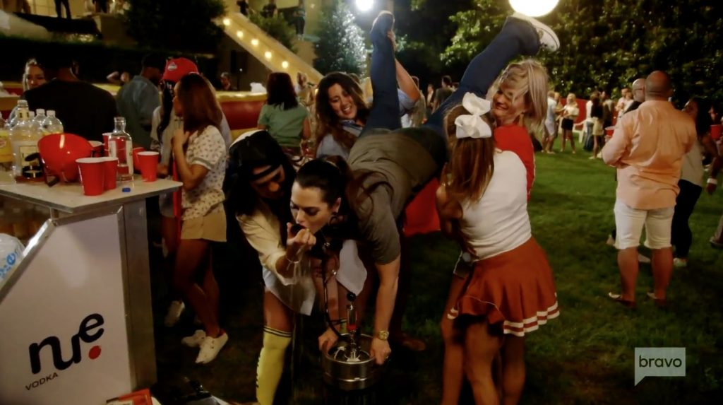 D'Andra Simmons does a keg stand