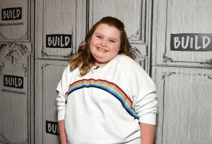 Alana Thompson, Honey Boo Boo, Pretends to Snort Cocaine