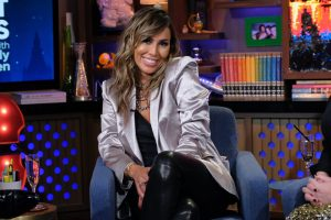 """Real Housewives Of Orange County's Kelly Dodd Mocks Black Lives Matter By Wearing A """"Drunk Wives Matter"""" Hat"""