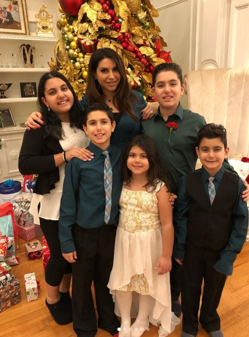 Jennifer Aydin & Her Kids